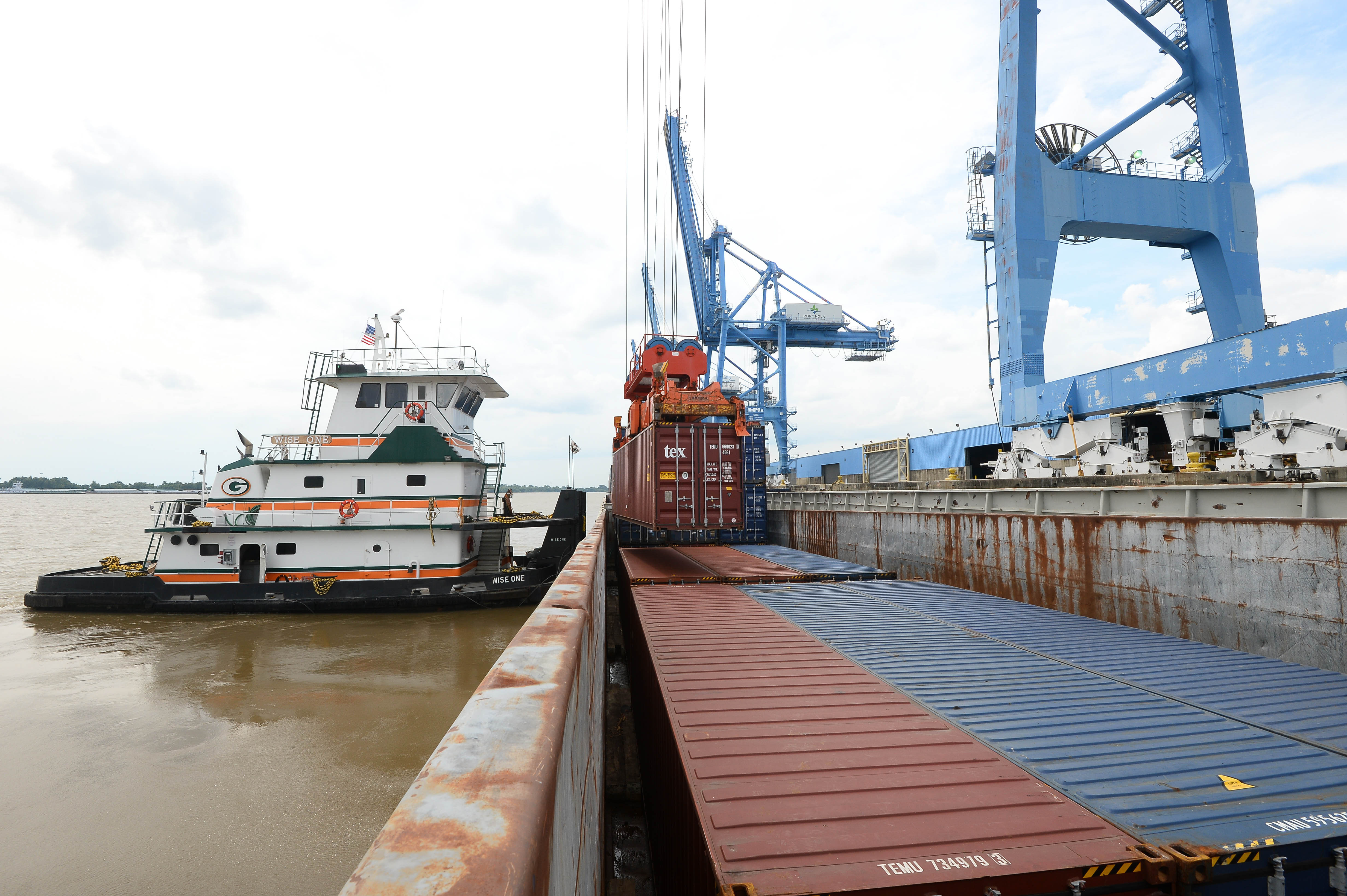 Port NOLA Container On Barge Operations